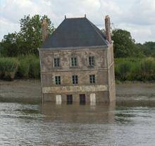 Oeuvre La Maison dans la Loire de Jean-Luc Courcoult